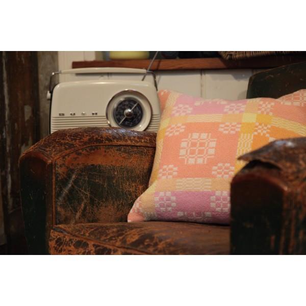 "18"" Peaches & Cream Peony Cushions CZ32"