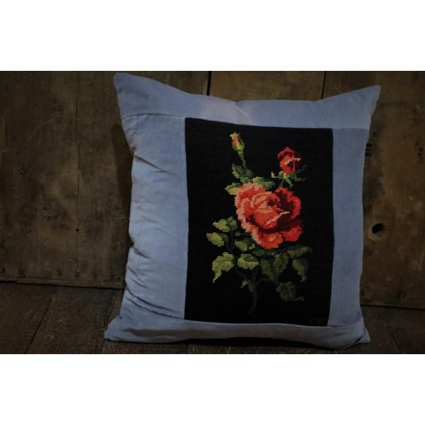 Scarlet  Rose cushion CZT31