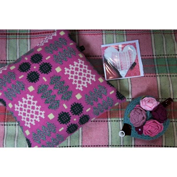 Rose Pink & Green Caernarfon cushions CZ90