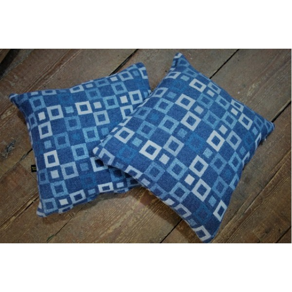 Madison, Blue cushions, Melin Tregwynt