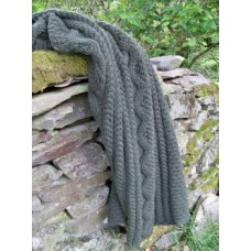 Pure Wool Cable Hand knit blanket         Dderwen