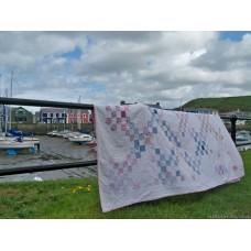 feedsack patchwork quilt in Irish Chain design Q09