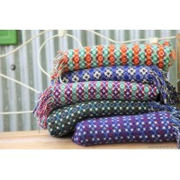 New lambswool throws . T07