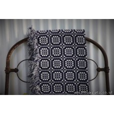 Pennsylvania. Indigo & White Welsh blanket Elfed Mill TBN55